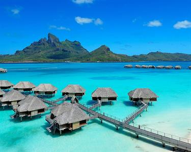 a - Four Seasons Resort Bora Bora - Overwater Bung