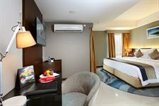 Deluxe Hollywood Room