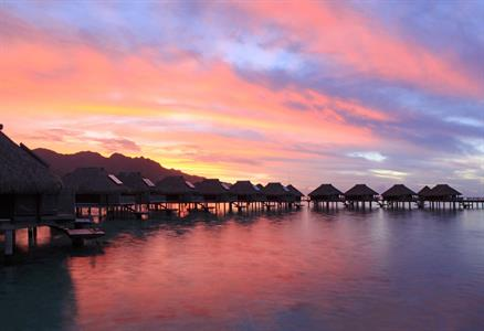 a - Hilton Moorea Lagoon Resort & Spa - Sunset (1)
