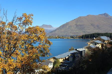 Autumn -Villa del Lago & lake Villa del Lago