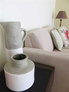 Modern decor in your one bedroom apartment Ocean Breeze