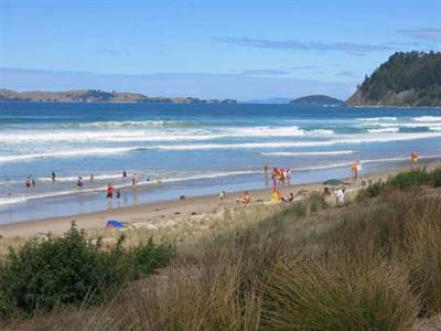 Visit the beach in Pauanui Ocean Breeze