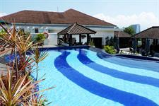 Swimming Pool Arion Swiss-Belhotel Bandung