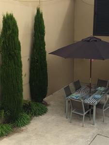 Outdoor seating at Tuscany Villas Tuscany Villas Whakatane