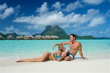 Beach, blue lagoon and lovers - Bora Bora Pearl Beach Resort & Spa