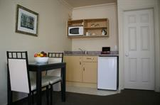 Kitchenette facilities in your Executive Spa Suite