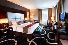 Bedroom Junior Suite Swiss-Belhotel Ambon