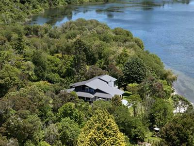Visit Wildwood Lodge in Rotorua Wildwood Lodge & Rotorua Trout Safaris