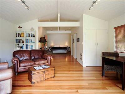 Great living space in the guesthouse at Wildwood