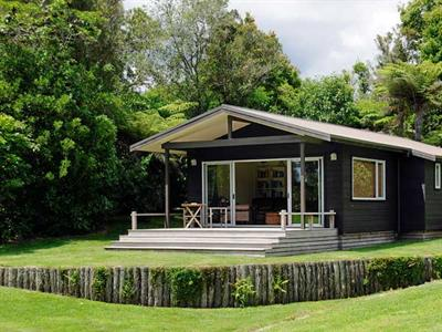 Visit the guesthouse at Wildwood Lodge