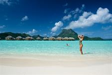 Beach and blue lagoon - Bora Bora Pearl Beach Resort & Spa