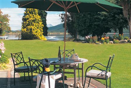 DH Te Anau - Views of Lake Te Anau Distinction Te Anau Hotel & Villas
