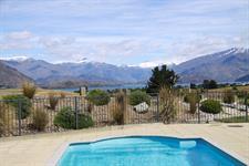 Distinction Wanaka - Pool ARW Distinction Wanaka Alpine Resort
