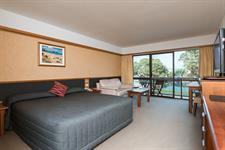DH Whangarei - Superior King Room Distinction Whangarei Hotel & Conference Centre