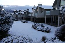 Distinction Wanaka - Garden Snow Distinction Wanaka Alpine Resort