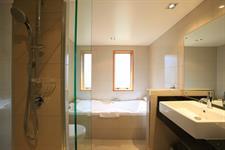 DH Te Anau - Deluxe Garden Villa Suite Bth R160083 Distinction Te Anau Hotel & Villas