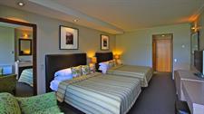DH Te Anau Lake View Room R160033 Distinction Te Anau Hotel & Villas