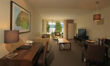 DH Te Anau - Deluxe Lake View Hotel Suite R160106