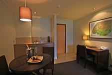 DH Te Anau Deluxe Lake View Hotel Suite R160 - 113 Distinction Te Anau Hotel & Villas