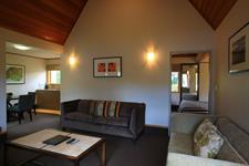 DH Te Anau - Deluxe Garden Villa Suite R160069 Distinction Te Anau Hotel & Villas