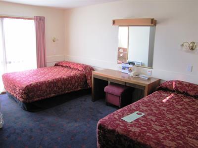 DH Luxmore - Standard Hotel Room Distinction Luxmore Hotel Lake Te Anau