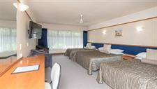 DH Hamilton - Standard Triple Room RL61