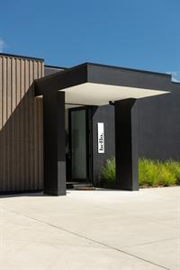 exterior view of entry davista architecture LTD
