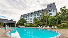 DH Rotorua - Exterior with Swimming Pool RL5