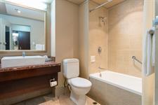 DH Rotorua - Deluxe & Superior Bathroom RL13 Distinction Rotorua Hotel & Conference Centre
