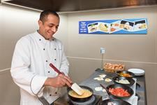DH Rotorua - Breakfast Egg Station RL35 Distinction Rotorua Hotel & Conference Centre