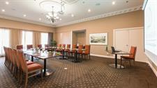 DH Rotorua - Cards Lounge RL24 Distinction Rotorua Hotel & Conference Centre