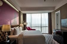Superior Deluxe