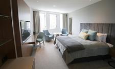 DH Christchurch - Superior King Room Distinction Christchurch Hotel
