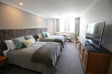 DH Christchurch - Classic Twin Room SE5503