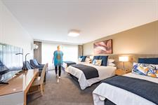 DH Hamilton - Superior Triple Room RL2