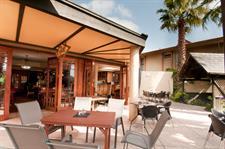 DH Coachman La Patio Alfresco Dining Distinction Coachman Hotel Palmerston North