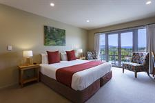 DH Fox Glacier Hotel Room RM8254
