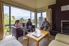 DH Fox Glacier - Guest Lounge RM8033 Distinction Fox Glacier Te Weheka Hotel