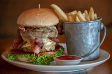DH Luxmore - Bailiez Cafe & Bar Burger DT1503