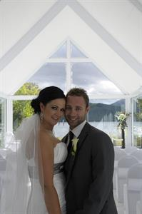 DH Te Anau - Bride & Groom Lakefront Chapel