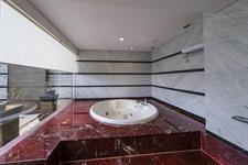 Deluxe Honeymoon Suite Swiss-Belhotel Mangga Besar Jakarta