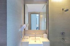 Superior Deluxe Twin Bathroom Swiss-Belhotel Cirebon