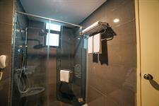 Family City View Bathroom Swiss-Belhotel Kuantan