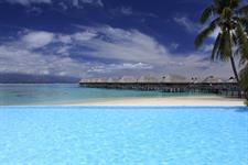 b - Sofitel Moorea Ia Ora Resort - Infinity Pool Sofitel Moorea Ia Ora Beach Resort
