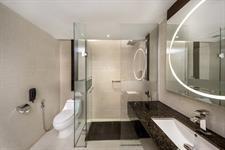 Superior Deluxe Bathroom Swiss-Belhotel Harbour Bay