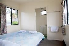 Ensuite Cabins (5)