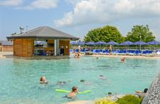 View Of Swim Up Bar & Cafe Facilities Lake Taupo Holiday Resort