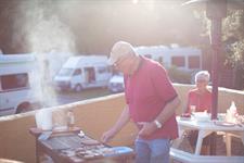 Dunedin Barbecue Aaron Lodge Holiday Park