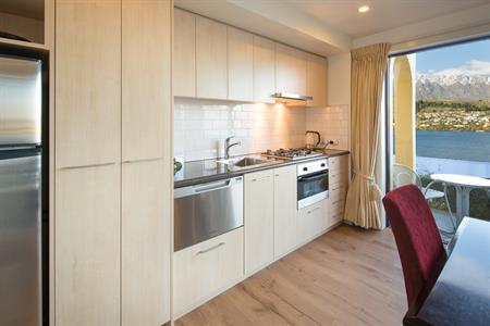 1 BR suite Kitchen new Villa del Lago