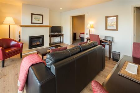1 BR Suite fire place new floor Villa del Lago